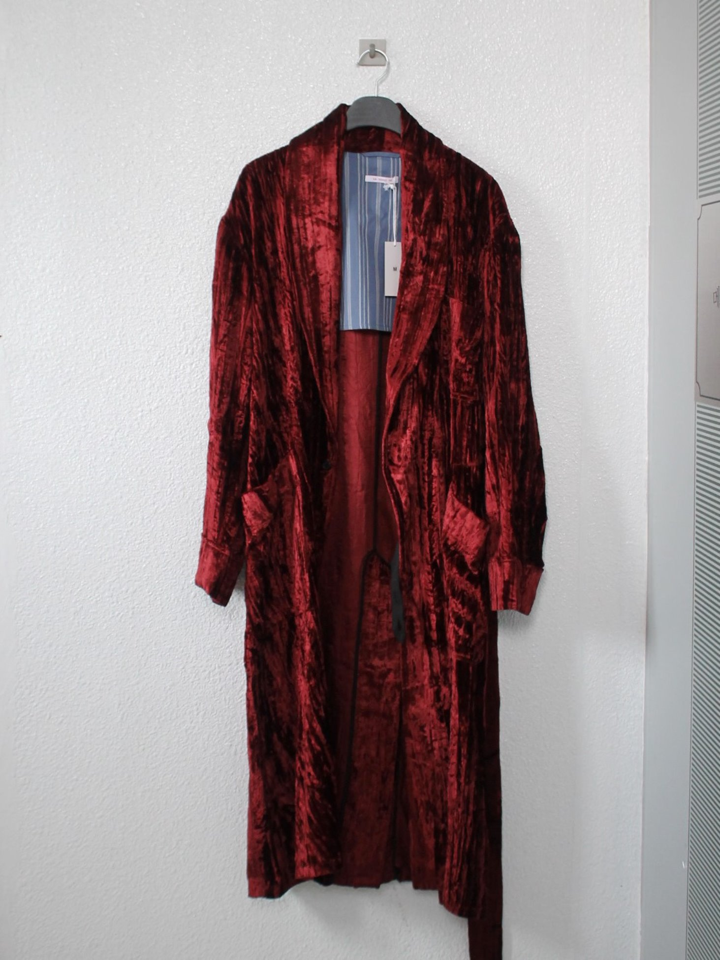 [s.k. manor hill] Wallace Robe - Maroon Crushed Velvet
