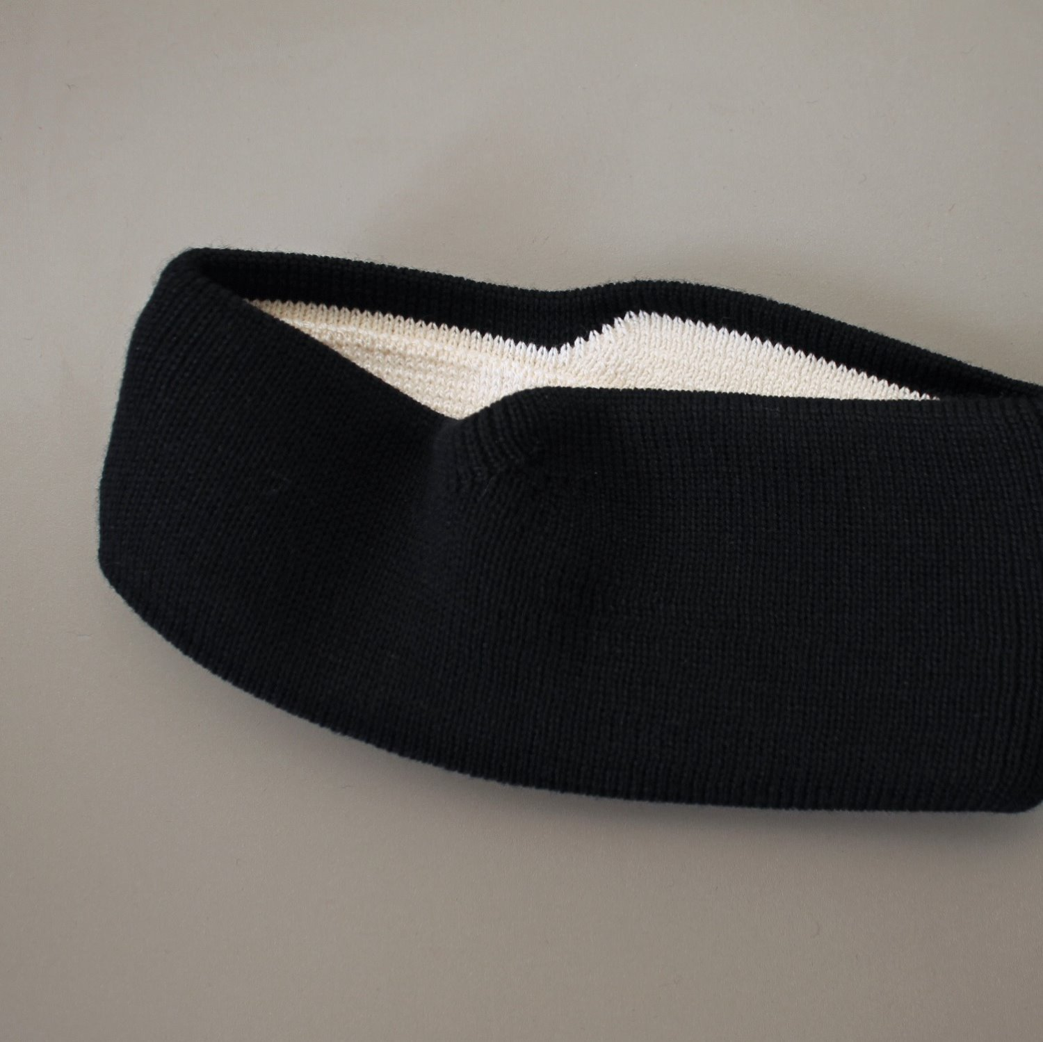 [LEUCHTFEUER STRICKWAREN] Head Band - Black