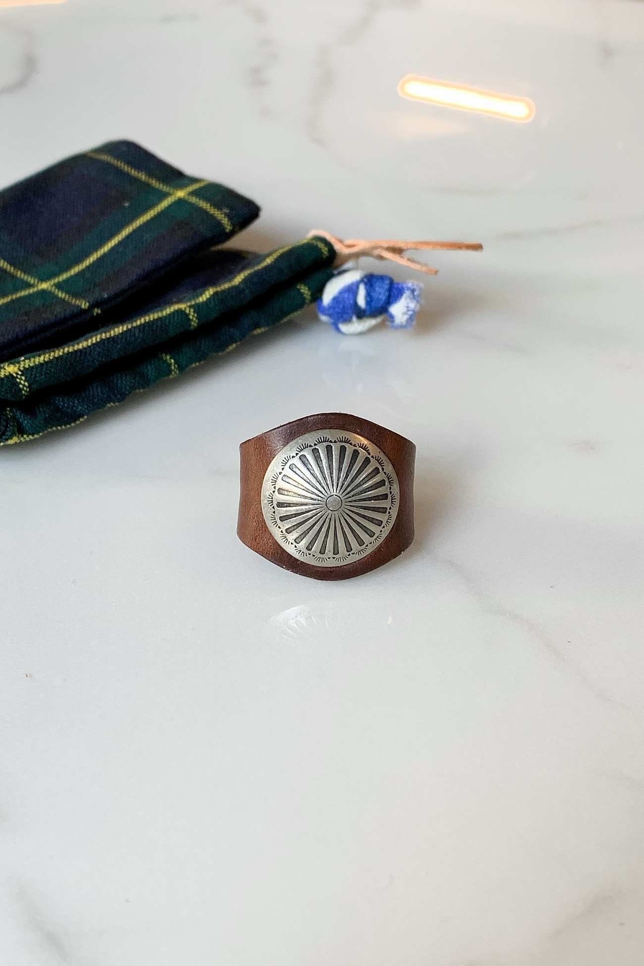 [YUKETEN] Leather Ring with Concho - Brown Needlepoint