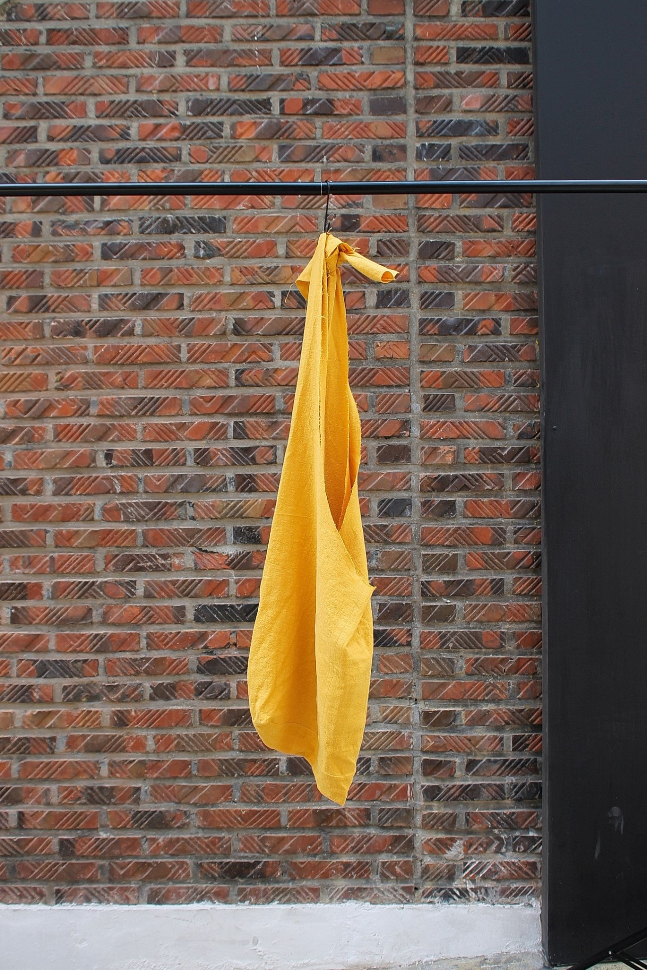 [An Irrational Element] Window Bag - Yellow
