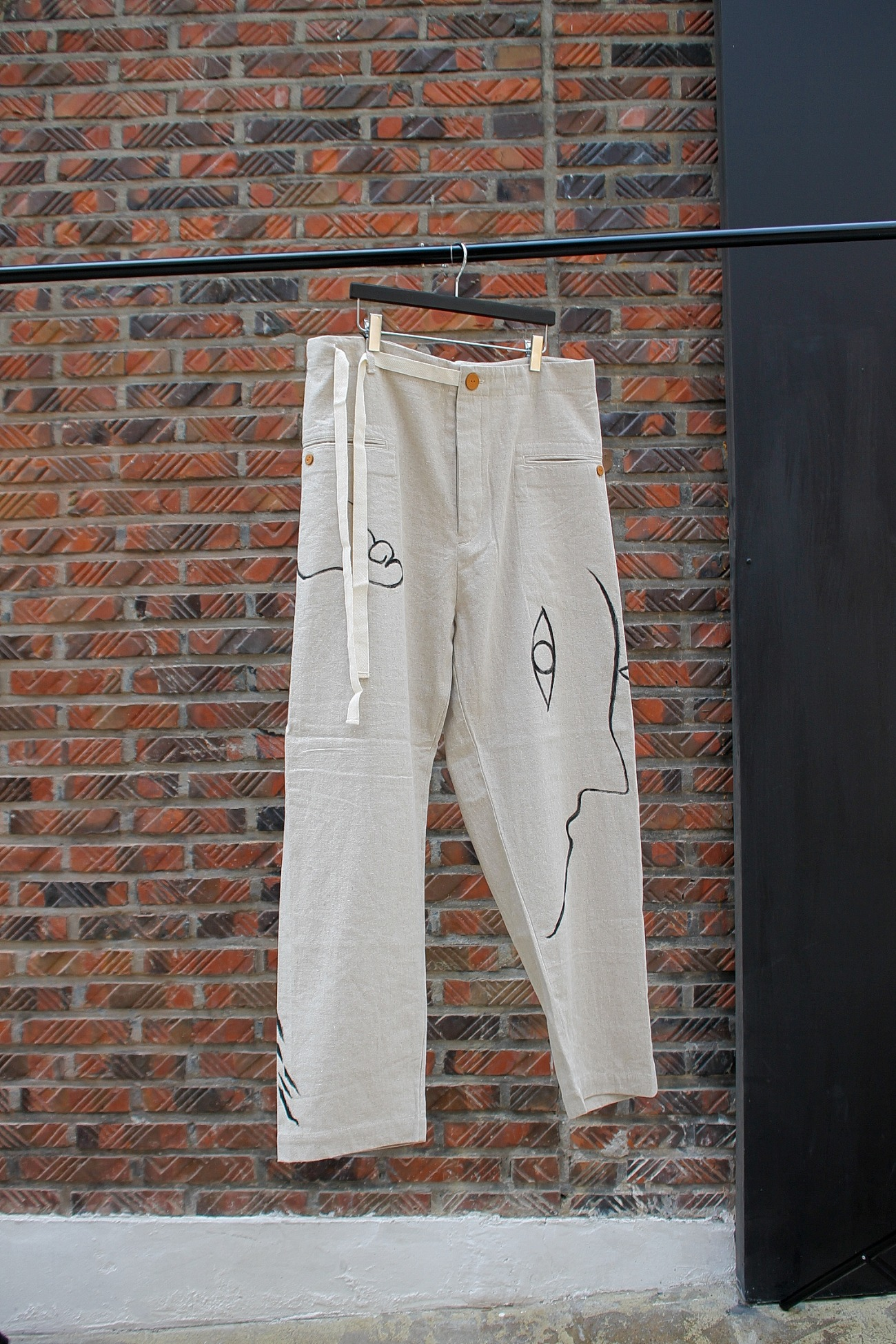 [EASY TO WEAR] Linen Canvas Tapered Pants - Natural / Drawing