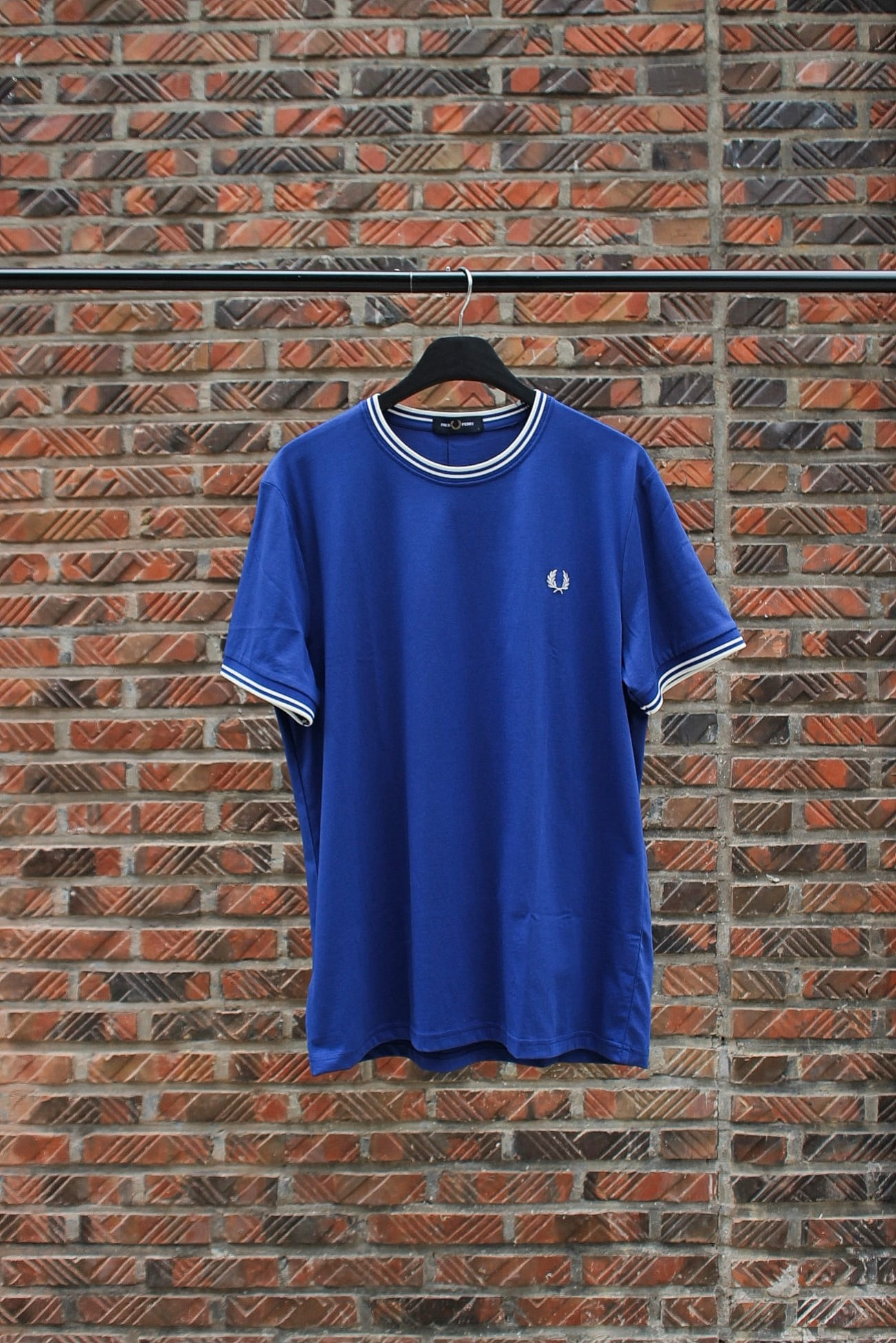 [FRED PERRY] Twin Tipped T-Shirt - Cobalt