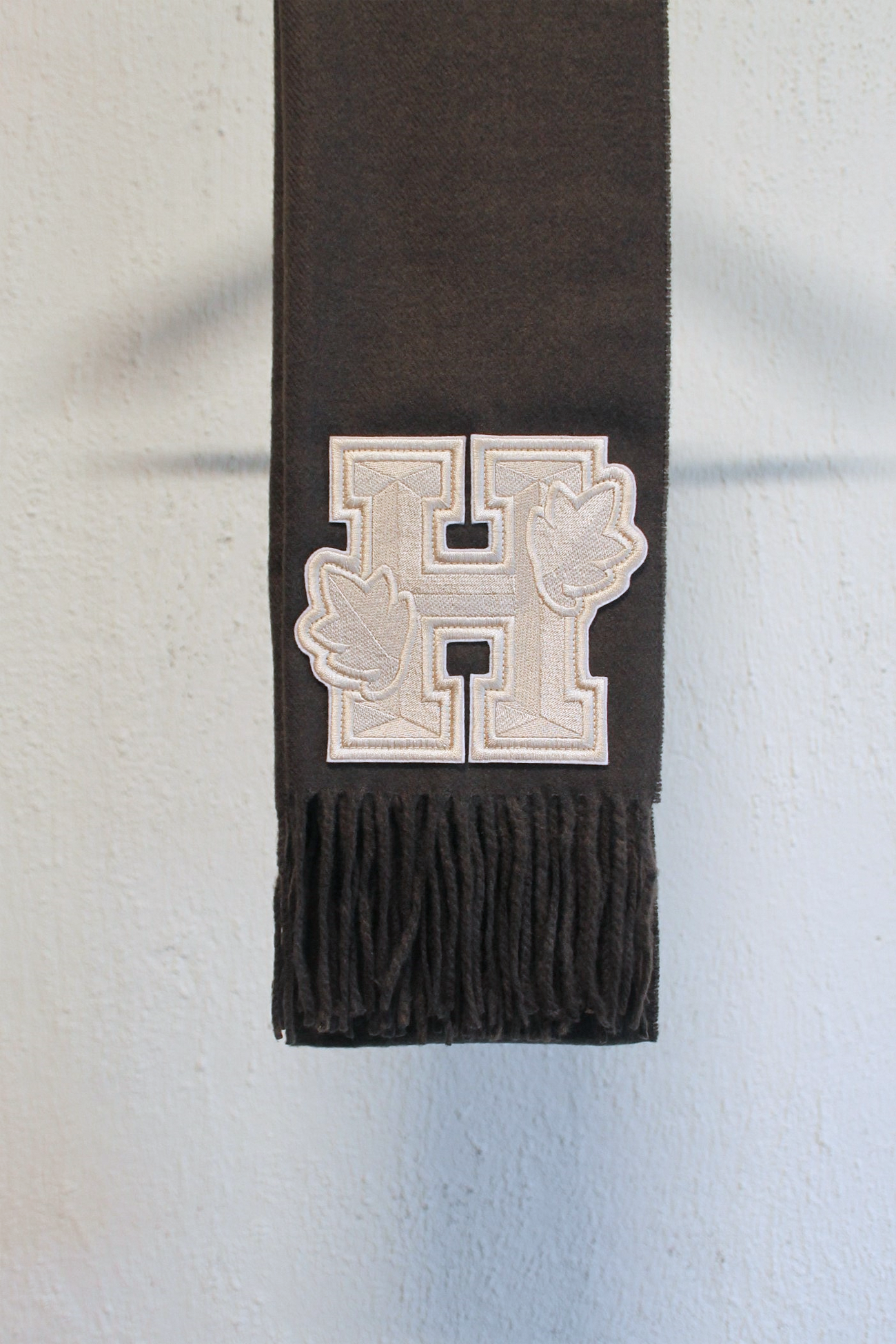 [HOUSE OF LEO] Woolen Scarf with Chevron Embroidery