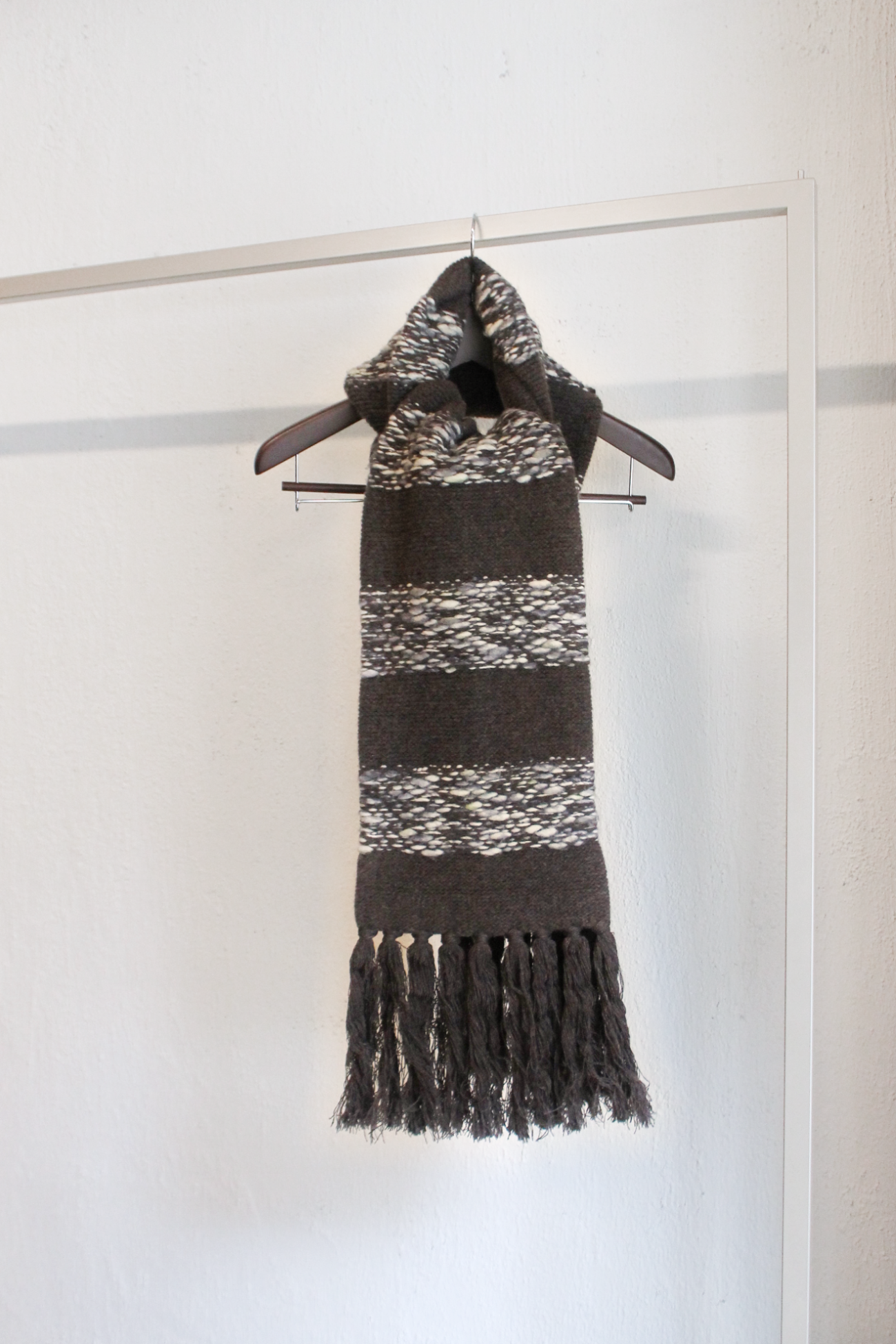 [E.TAUTZ] Tasseled Scarf – Brown/Ecru Wide Stripe